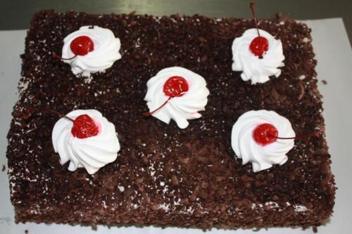 Нарезной торт Вишня в шоколаде. 330 руб.-1 кг.
