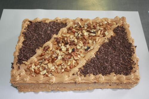 Нарезной торт Лакомка. 340 руб.-1 кг.