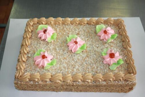 Нарезной торт Медовый. 300 руб.-1 кг.
