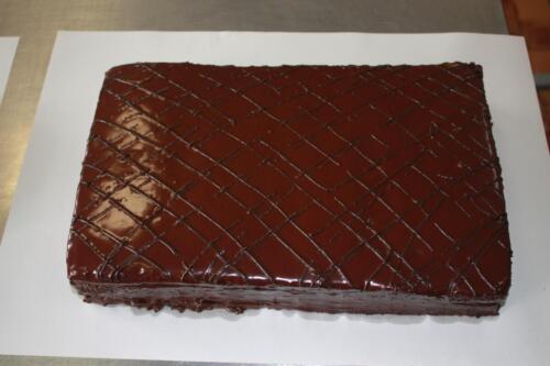 Нарезной торт Прага. 340 руб.-1 кг.
