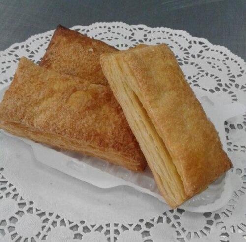 Пирожное Язык цена 12 руб.